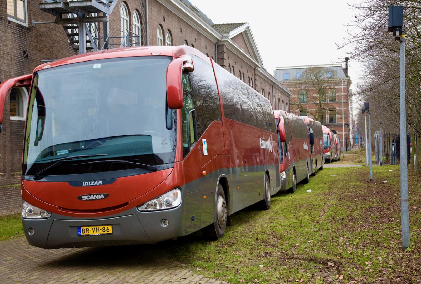 Visitors 02 Maze de Boer